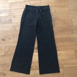 Lululemon Athletica Wide Leg Luon Pants. Size 08